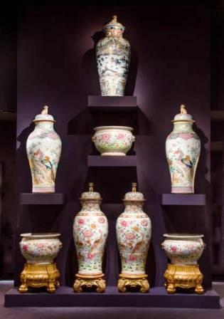 TEFAF_stand210_Jorge_Welsh_monumental_vases_copy-420x599